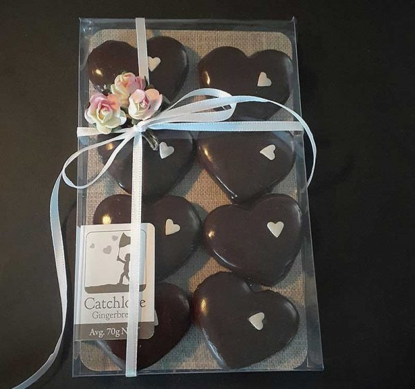 8 Hearts with ribbon and flower